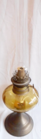 14 Line Paraffin Oil Lamp with Amber Font